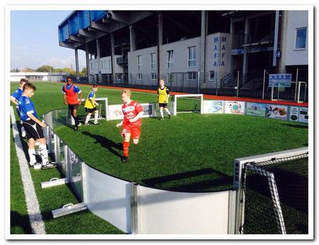 Trainieren vor einer Bundesliga-arena, das macht Spaß und bringt Freude