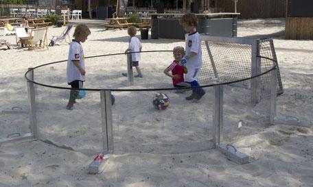 Ballspaß in den Feriencamps und im Urlaub