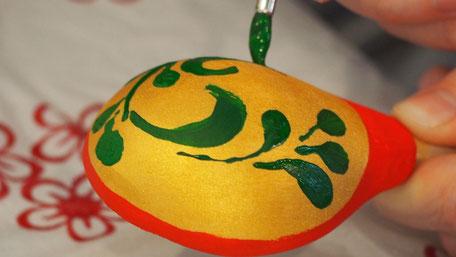 ホフラマ柄の伝統的スプーン