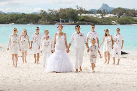 Hochzeitsfotograf Mauritius, Strandhochzeit, heiraten, Trauung, beachwedding, Hochzeit am Strand, Gruppenfotos Hochzeit, Gruppenfotos Ideen, Strandhochzeit Gruppenfotos, beach, Wedding, Maurice, deutscher Hochzeitsfotograf, Mauritius, Malediven, seychelle