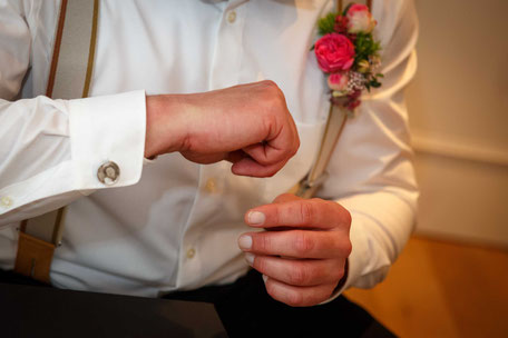 Hochzeitsfotograf Dresden, Hochzeit in Dresden, Heiraten in Dresden, Hochzeit Heidemühle Karsdorf, Hochzeit Heidemühle Rabenau, Hochzeit Wellnesshotel, Hochzeit Naturhotel Heidemühle, Standesamt Kreischa Bus, Hochzeit in Kreischa, Heiraten im Oldtimer,