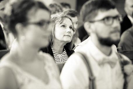 Hochzeitsfotograf Dresden, Hochzeit Dresden, Heiraten in Dresden, Hochzeit Kirche Lichtenberg, Hochzeitsreportage Dresden, Hochzeitsfotograf Dresden Kosten, Was kostet ein Hochzeitsfotograf Dresden, Dresden Hochzeitsreportage, Hofescheune Bretnig Hauswald