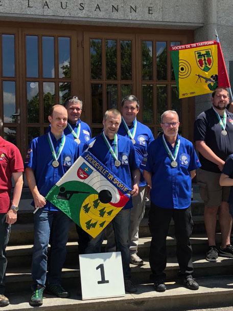 De gauche à droite : Berger Christophe, Brutsch Olivier, Dizerens Gilbert, Cornut Joris et Chabloz Gilbert