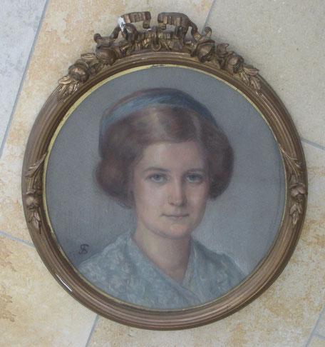 Bild Elsa (hängt oben im Bild an der Wand)