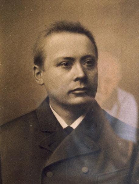 Peter (1852-1906) abfotografiert im Hauptbüro