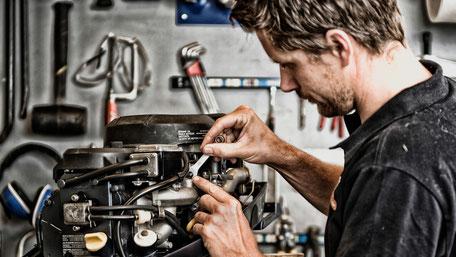 Onderhoud buitenboordmotor bij de Bootman in nieuwkoop
