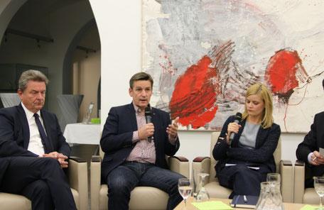 Frank H. Sauer auf einer Podiumsdiskussion in Magdeburg der Deutsche Gesellschaft e.V.