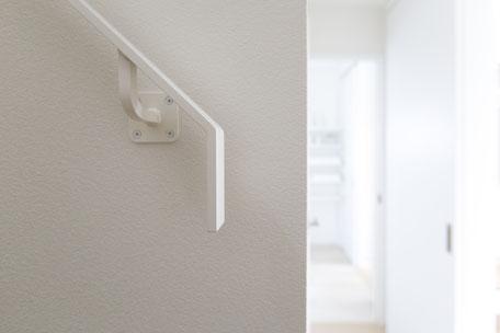 階段の手摺りの画像