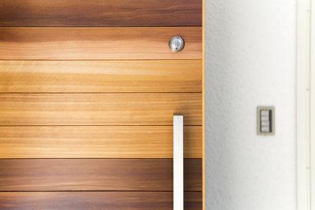 玄関ドア(内側)_両面木製ドア