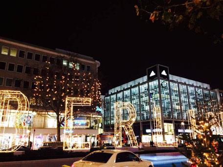 Berliner Bustour Berliner Sightseeing Bus Christmas Weihnachten Berlin Weihnachtsmarkt Charlottenburg Kurfürstendamm Tauentzienstraße Gedächniskirche tolle Berliner Aussicht, Erlebnistour durch Berlin