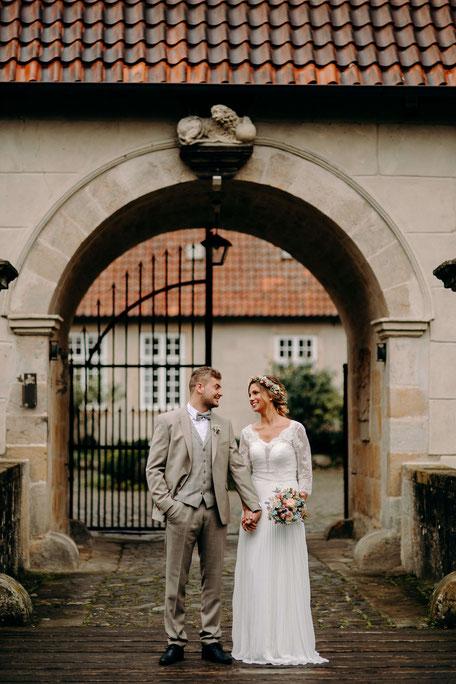 Die Freie Trauung in Osnabrück, holt Euch Hochzeitsinspirationen für die Hochzeitsplanung auf www.philosophylove.de Freie Trauungen und Hochzeitsreden in Osnabrück, Hamburg und Düsseldorf