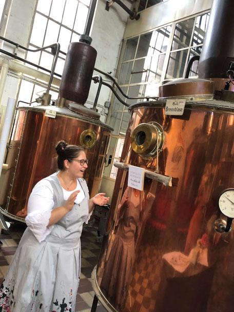 Traurednerin Jasmin El-Assil platziert das Trauritual im Dujardin in Krefeld