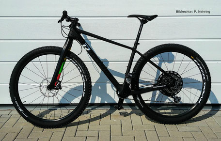 Raymon Carbon Hardtail Nineray 9.0 mit Lightcarbon Carbon Gabel 475mm Bildrechte P Nehring 1
