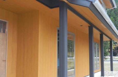 外部南面:杉板貼りの画像1