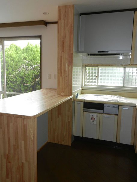 キッチン換気扇・パネル取替施工後の画像