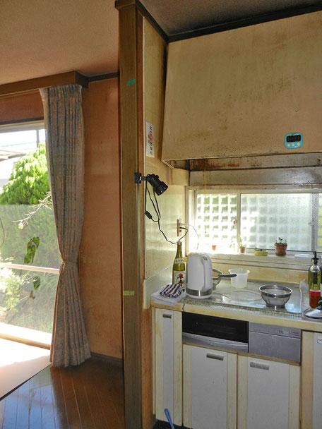 キッチン換気扇・パネル取替施工前の画像