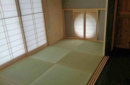 和室・丸窓の画像