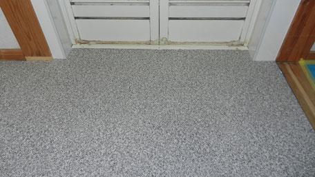 脱衣室床改修工事の画像
