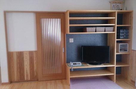 リビングテレビ棚の画像