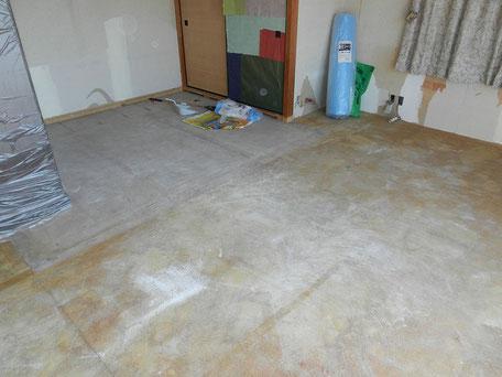 解体:絨毯、畳撤去の画像1
