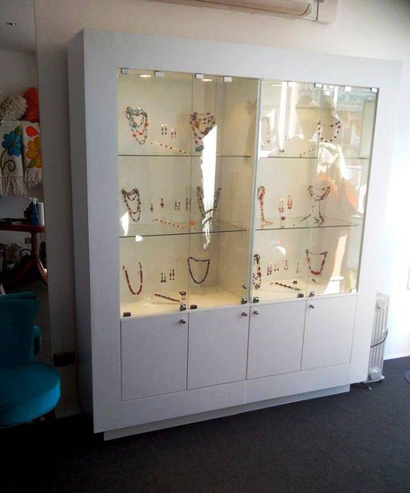 vitrina de exhibicion para negocios