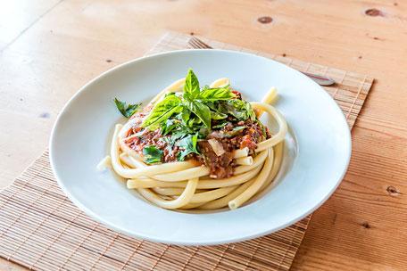 maccaroni-pasta-bolognese