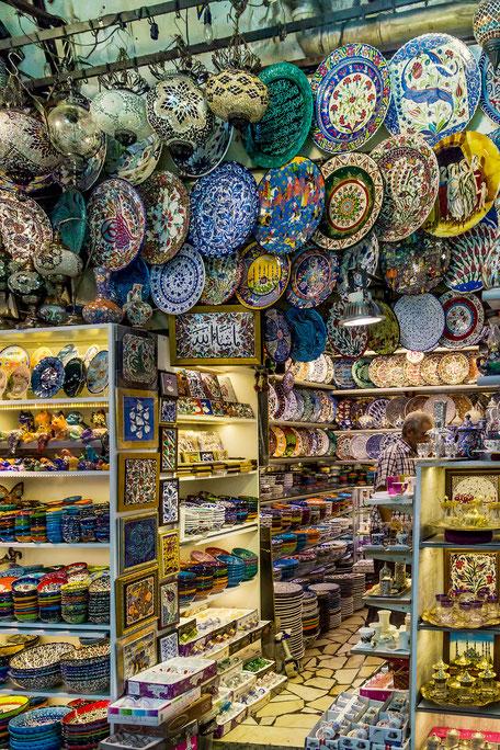 Keramik-Shop im grossen Basar Istanbul © mjpics
