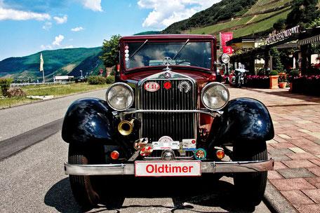 oldtimer-am-rhein