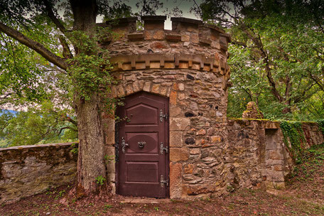Eingang-zum-Turm-auf-Schloss-Dhaun