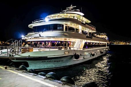 ausflugs-faehrschiff-bosporus-marmarameer-istanbul
