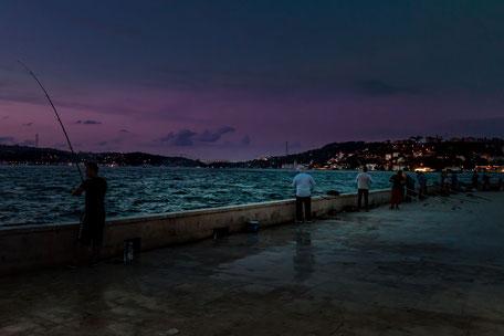 Angler am Bosporus Istanbul