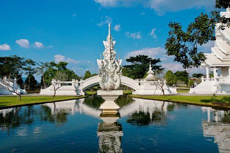 Gartenanlage Weißer Temepel- Wat Rong Khun Chiang rai © mjpics