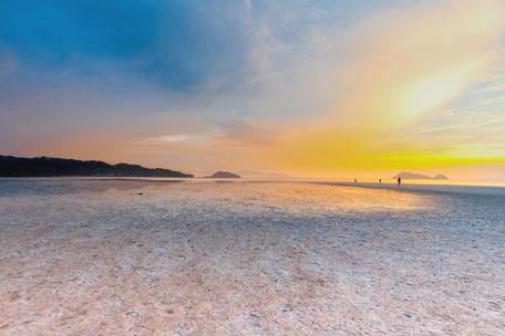 auf-der-sandbank-koh-phangan-hin-kong-beach-thailand
