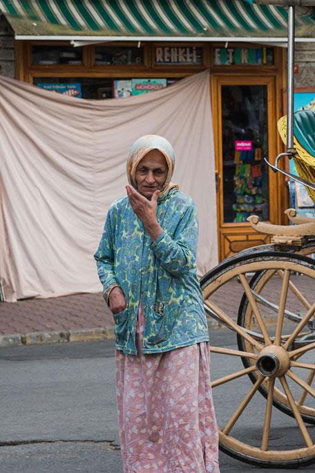 Traditionell gekleidete Türkin © mjpics