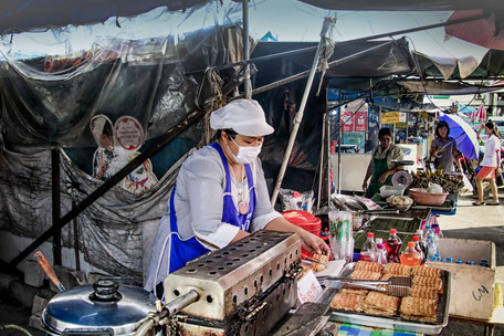 waffeln-auf-dem-markt-in-ao-nang-krabi