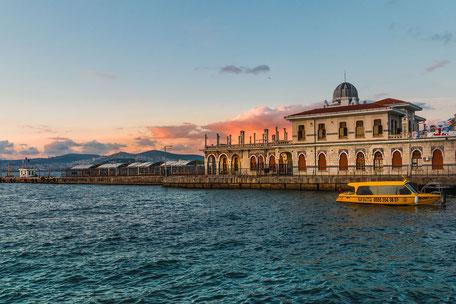 Gebäude am Büyükada Fährhafen Prinzeninsel Istanbul