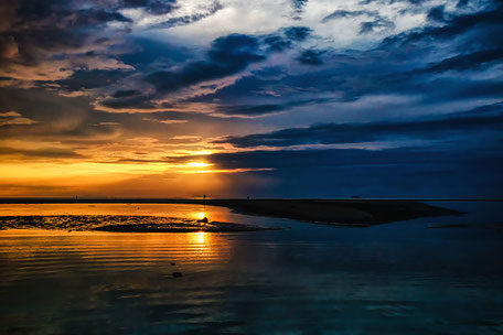 sonnenuntergang-sandbank-hin-kong-beach