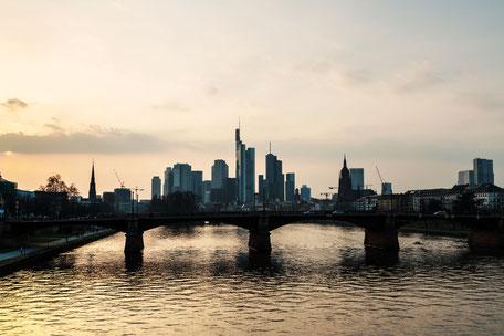Frankfurt -Main-Skyline-Movie-Style