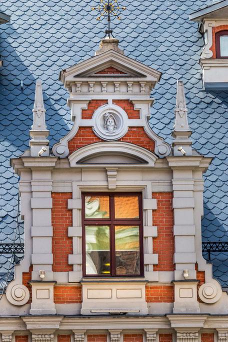 Fenster-im-Schwarzhäupterhaus-in-Riga