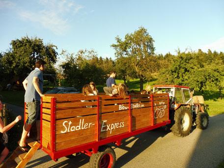 Traktorfahrt am Biobauernhof Stadler