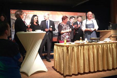 Journalist und Radiokoch Helmut Gote mit Show-Cooking auf der Bühne beim Tourismustag 2017 in Templin