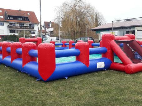 Mobiles Bubble Soccer Fußballfeld Fußballumrandung mieten Verleih Frankfurt Hessen