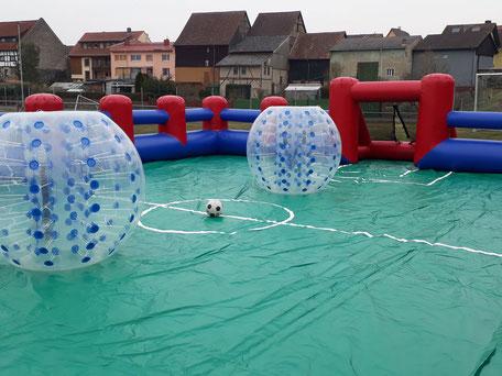 Bubble Football Fußballfeld Fußballumrandung aufblasbares Soccerfeld mobil Hessen mieten