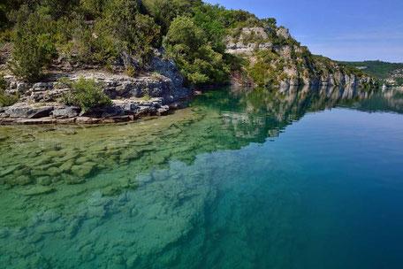 Camping le Soleil Esparron de Vardon eau du lac d'Esparron