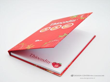 Notes con copertina rigida, rivestita con stampa a colori ed effetto Soft Touch