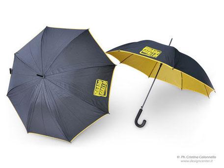 Ombrello bookshop - Visual merchandising - corporate merchandising - bookshop d'impresa