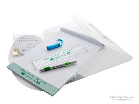 Kit convegno - cartellina in ppl - righello con lente - penna biro - notes tutto personalizzato Progetto Frane