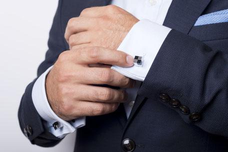 Versandreinigung-mueden.de, Meisterreinigung, Anzug mit Manschettenhemd