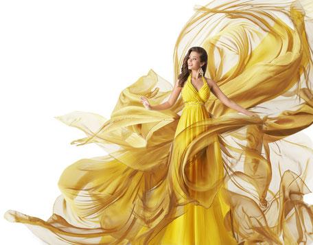 Versandreinigung-mueden.de, Meisterreinigung, Frau in goldenem Kleid, Geruchsneutral