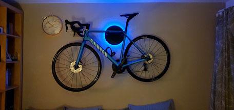 Wandhalter WandmontageCanyon  Halterung Fahrrad Rennrad Holz mit Beleuchtung LED Bike wall mount Karbon Carbon